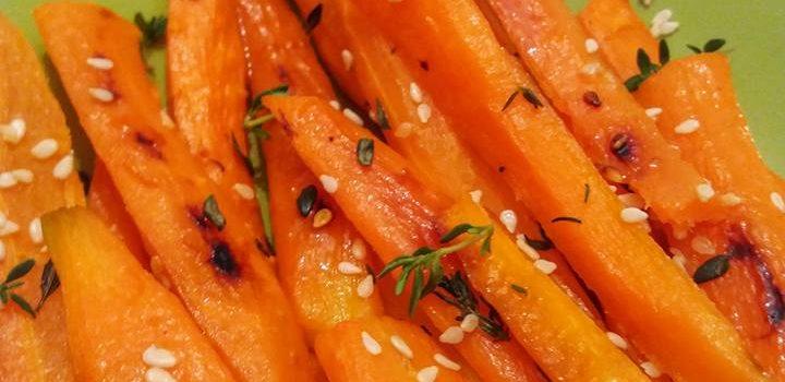 Morcovi caramelizați cu miere, cimbru și susan