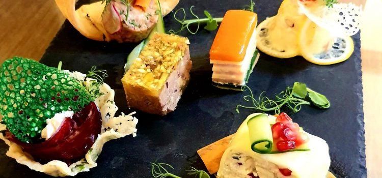 Trending News of the Week (21-27 octombrie): Luna Gastronomiei, degustare Balla Geza, sărbătoarea noii recolte Monini și start Revelioane la restaurante