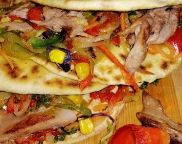 Tortilla de casă rapidă cu pui și legume