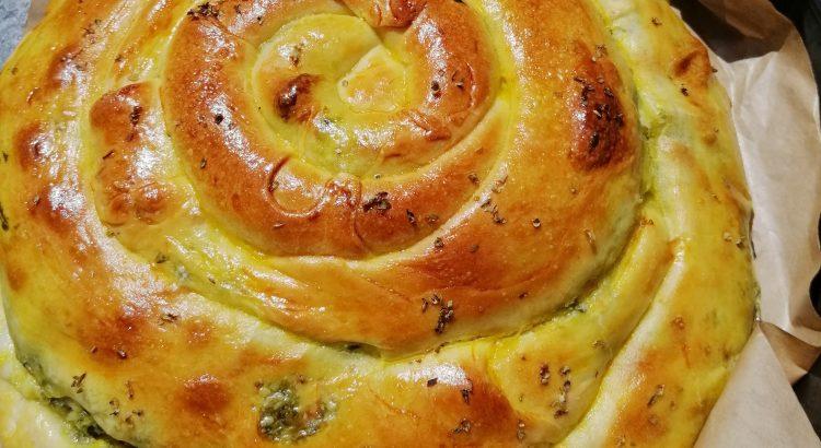 Plăcinta de spanac cu brânzeturi