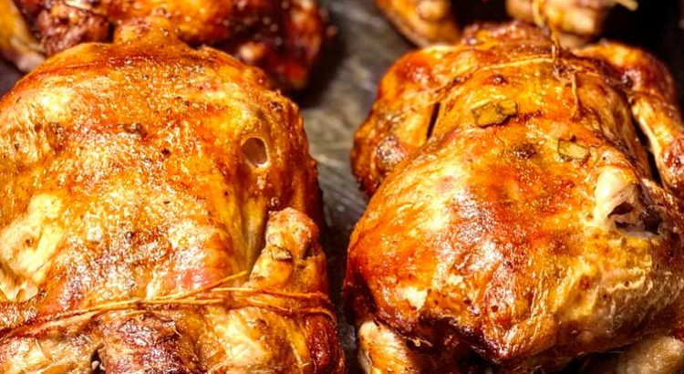 Nou deschis! Puiu' Mamii vine cu mâncare de casă, simplă, dar gustoasă: pui rotisat, pilaf, supe, griș cu lapte și altele asemenea